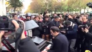 Download man plays by john lennon at piano near bataclan at attack paris Video