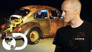 Download Desafío entre Escarabajo y carro de $80.000 | Carreras Prohibidas | Discovery Latinoamérica Video