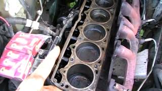 Download How to change Jeep 4.0 Cylinder Head Video
