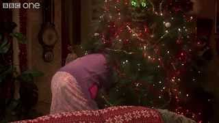 Download Mammy's Tree Trouble - Mrs Brown's Boys: Christmas Specials 2014 - BBC One Video