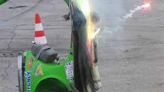 Download Nicola l'impennatore (Vespa freestyle) al Motor Bike Expo' di Verona 2010 Video