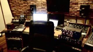 Download Borixon/Kochasz mnie?/Master/AUER/prod.TMKBeatz/Newbadlife/addictedtomusicstudio/StoproRap/makingof Video
