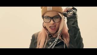 Download Susanu si Adam B - Dicta la (Oficial Video) Video