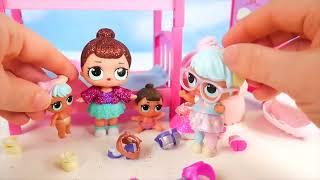 Download LOL Surprise Dolls Lil Sisters Sleep in Barbie Bunk beds Video