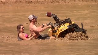 Download 2017 Mud Nationals Craziness Video