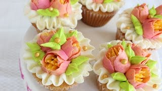 Download Multicolored flowers with your Russian Piping tips - How to decorate cupcakes with Russian tips Video