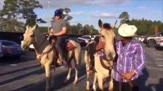 Download Yoenis Cespedes & Noah Syndergaard ride horses to Mets camp Video