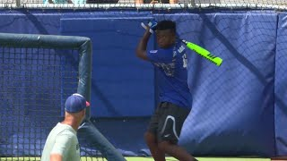 Download 13 year old hits home run at SunTrust Park Video