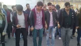Download Horon Karadeniz | SERKAN AYDIN BUĞRAHAN DENİZOĞLU KADİKÖY HORON Video