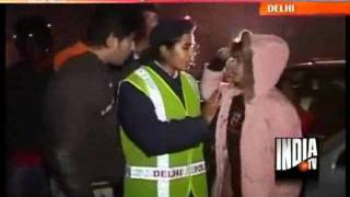 Download Delhi Traffic Police Challans Drunk Drivers On New Year Eve Video