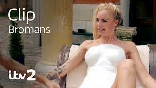 Download Body Part Sculpting With The Girls   Bromans   ITV2 Video