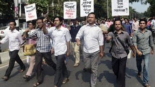 Download US Bangladesh blogger Avijit Roy hacked to death Video