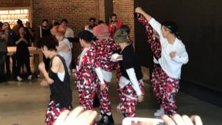 Download Williamsburg Brooklyn Apple Store NCT 127 Performance Video