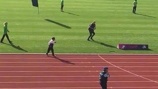 Download 101-jarige wint gouden medaille op 100 meter sprint - RTL LATE NIGHT Video