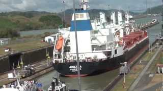 Download El Canal de Panama · Buques Pasando · Ships Passing the Panama Canal Video