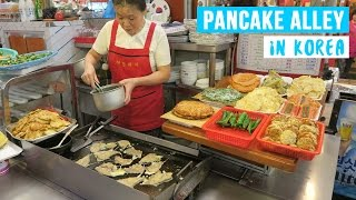 Download Pancake Alley in South Korea (ft. Vil Vlogs) ● Street Food at Gwangjang Market Video