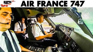 Download Piloting Boeing 747 out of Paris Video