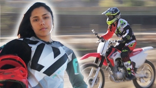 Download Women Race Dirt Bikes For The First Time Video