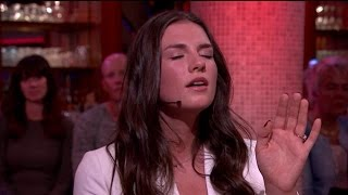 Download Maan zingt auditienummer: 'Ik vind het spannend' - RTL LATE NIGHT Video