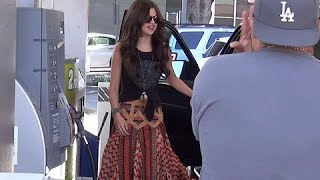Download Selena Gomez Asks Paparazzo To Drive Her Car, Asked If Bieber Is A 'Bad Boy' [2013] Video