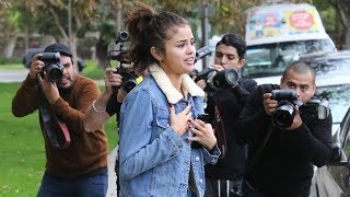 Download Selena Gomez Surrounded By Paparazzi As Bieber Romance Is Reignited Video
