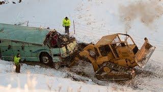 Download DANGEROUS IDIOTS Trucks Excavator Fail Video