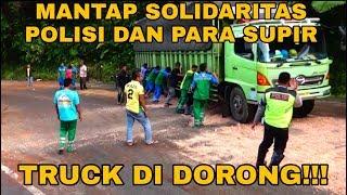 Download SOLIDARITAS PAK POLISI DAN PARA SUPIR BERSATU DI DALAM BENCANA!!! Video