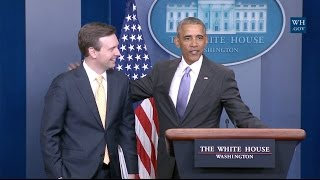 Download Obama Makes Surprise Visit During Final White House Press Briefing Video