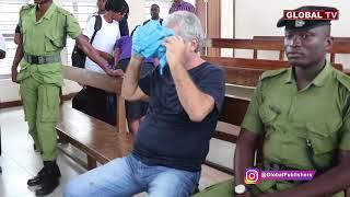 Download Mzungu Yamkuta Mahakamani Kisutu, Anatia Huruma Video