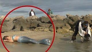 Download जब समुद्र से बाहर निकल कर आयी असली जलपरियां( जरूर देखे ) || Actual Mermaids spotted in real life Video