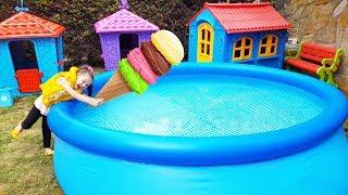 Download Öykü'nün Dondurması Havuza Düştü! - For Kid Swimming Pool and İce Cream -Funny Oyuncak Avı Video