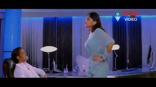 Download Anushka Came To Nagarjuna And Give Kiss To Nagarjuna | Akkineni Nagarjuna, Anushka Shetty Video