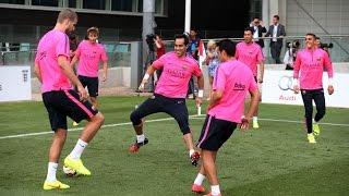 Download Claudio Bravo completa su primer entrenamiento con el FC Barcelona Video