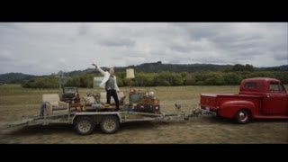 Download MACKLEMORE & RYAN LEWIS - CAN'T HOLD US FEAT. RAY DALTON Video
