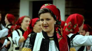 Download Adriana Bucevschi da-te aproape soacra mare Video