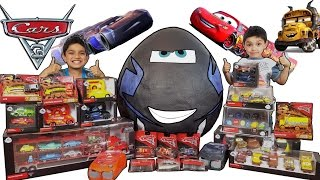 Download 🏰 Disney 🚗 Cars 3 🌎 Worlds Biggest Giant Toys Surprise 🍳 Egg Toy video for kids 50+ cars Video