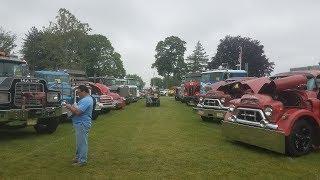 Download Classic Semi Trucks Leaving the 2017 ATCA Truck Show - Macungie, PA Video