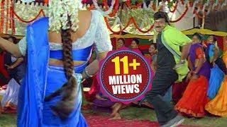 Download Bavagaru Baagunnara Movie Songs - Aunty kuthura - Chiranjeevi Ramba Video