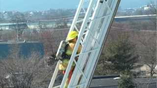 Download Dramatic 109-Foot Aerial Climb - Chattanooga Fire Academy 2012 - PT 3 Video