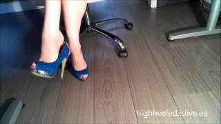 Download High Heel Shoe Play........Dangling with my shoes Video