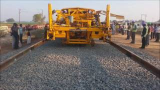 Download EDFC mechanized track laying Video