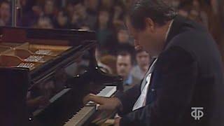 Download Grigory Sokolov plays Bach Toccata in E minor, BWV 914 - video 1990 Video