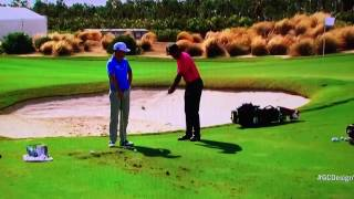 Download Tiger Woods - New Pitching Motion Drill (2016 Hero) Video