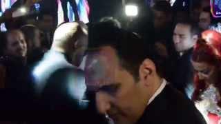 Download اتفرج على دلع ورقص سمية الخشاب مع محمد منير فى فرح بنت فيفى Video