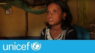 Download Rohingya refugee girl giving fellow refugees a helping hand | UNICEF Video