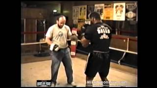 Download Iron Mike Tyson BOOM ! - Trains on the Pads Video