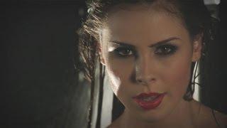 Download Lena rockt unter der Dusche Video