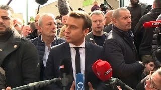 Download A Sarcelles, Emmanuel Macron s'en prend à Marine Le Pen Video
