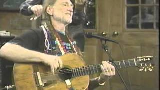 Download Willie Nelson / Please Don't Talk About Me When I'm Gone Video