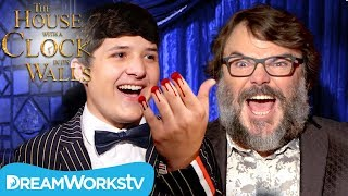 Download Severed Finger Trick TERRIFIES Jack Black ft Junk Drawer Magic | The House with a Clock in Its Walls Video